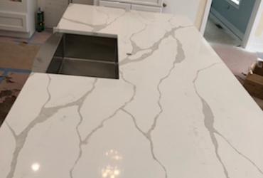beautiful-island-in-calcatta-lazza-quartz